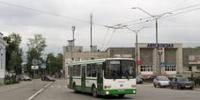 В Каменске пригородные автобусы «отбирают» пассажиров у городских