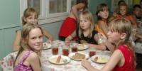Больше трети блюд, которые давали детям в загородных лагерях, были с недовесом