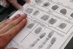 Лишь несколько каменцев согласились на добровольную государственную дактилоскопическую регистрацию