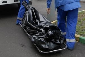 На улице Заводская в Каменске-Уральском обнаружили труп неизвестного мужчины