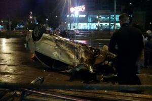 Сегодня ночью в Каменске-Уральском опять произошла серьезная авария на пересечении Суворова и Каменской