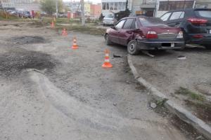 Фотоподробности ДТП, в результате которого жительницу Каменска-Уральского автомобиль сбил прямо на тротуаре. Приметы виновника