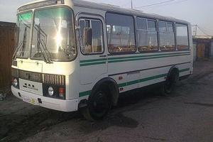 В Каменске-Уральском пассажирка автобуса серьезно пострадала после падения в салоне. С переломами ее доставили в больницу