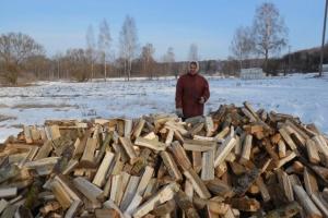 В Каменской епархии продолжается акция «Подари дрова»