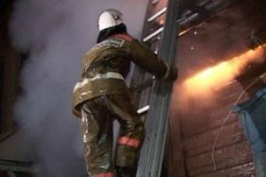 Сегодня ночью под Каменском-Уральским горел 4-квартирный жилой дом