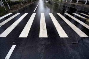 Несколько новых пешеходных переходов оборудуют возле школ Каменска-Уральского