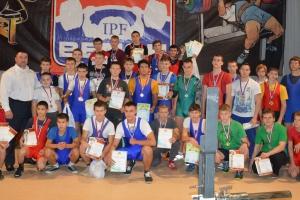 Два золота взяли спортсмены из Каменска-Уральского на Кубке Свердловской области по пауэрлифтингу