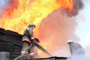 Под Каменском-Уральским, в деревне Перебор, вчера горел частный жилой дом