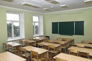 В Каменске-Уральском началась приемка школ к новому учебному году. Серьезных нареканий пока нет