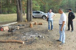 В Каменске-Уральском выписали первый административный штраф из-за разведенного в лесу костра. В городе вводится особый противопожарный режим