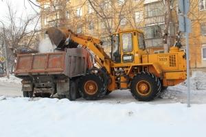 С улиц и тротуаров Каменска-Уральского в этом году вывезено уже 12 тысяч кубометров снега