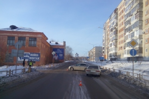 Сегодня днем в Каменске-Уральском в ДТП пострадал молодой водитель