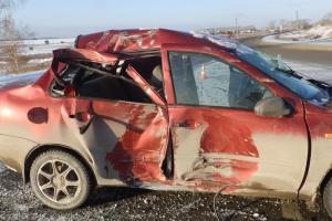 Утром в первый день зимы в Каменске-Уральском в ДТП пострадали сразу два человека
