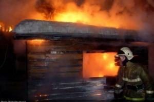 В субботу вечером под Каменском-Уральским во время пожара погибли два человека