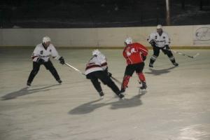 З декабря «Синара» стартует в чемпионате области по хоккею. Расписание игр
