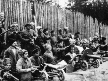 Революционный Каменск. «Эпоха» 1-ого Крестьянского полка