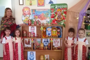 В Каменске-Уральском в детском саду собрали коллекцию матрешек