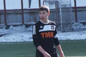 Еще два футболиста из Каменска-Уральского попали в молодежный состав главной команды области
