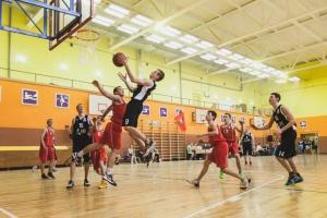 В Каменске-Уральском определят сильнейшие школьные баскетбольные команды области