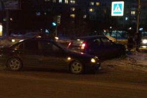 ДТП произошло сегодня вечером на перекрестке проспекта Победы и улицы Павлова