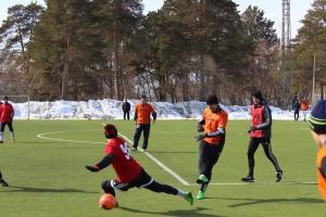Во всех группах чемпионата Каменска-Уральского по футболу 8х8 определились единоличные лидеры