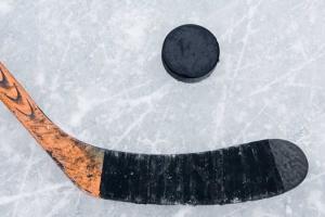 Первый круг чемпионата Каменска-Уральского по хоккею выиграла «Спарта»… из Мартюша