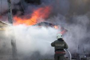 Под Каменском-Уральским в минувшую субботу горели гаражные боксы
