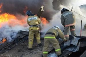 Сегодня вечером под Каменском-Уральским горели частная баня и сарай. Погибли двадцать кур