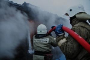 Героический пенсионер под Каменском-Уральским сегодня сам спас свой дом от пожара