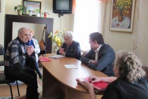 Глава Каменска-Уральского провел выездной прием горожан в Доме ветеранов
