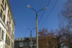 Во дворе школы №30 в Каменске-Уральском обновили освещение