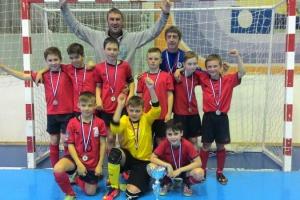 Юные спортсмены из Каменска-Уральского стали серебряными призерами всероссийского турнира по мини-футболу