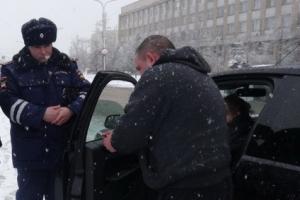 Сегодня утром в Каменске-Уральском прошла операция «Тонировка». За два часа оштрафовали семь водителей