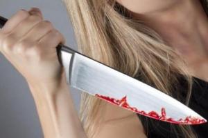 Сразу две жительницы Каменска-Уральском с помощью ножа пытались разобраться с возлюбленными