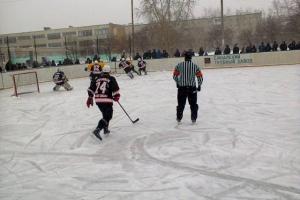 Хоккейная «Синара» из Каменска-Уральского одержала вторую победу в чемпионате области