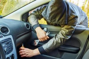 Серийные похитители автомобилей, которые «перебивали» номера в Каменске-Уральском, получили по шесть с половиной лет колонии