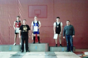 Шесть наград завоевали представители Каменска-Уральского на Кубке и в первенстве области по тяжелой атлетике