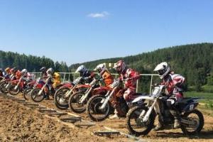 Семь наград привезли гонщики из Каменска-Уральского со второго этапа Кубка области по мотокроссу