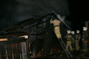 Вечером 27 июня под Каменском-Уральским горели садовый домик и баня