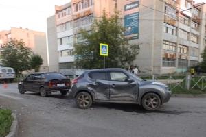 В Каменске-Уральском ищут свидетелей ДТП на перекрестке улиц Калинина и 4-й Пятилетки