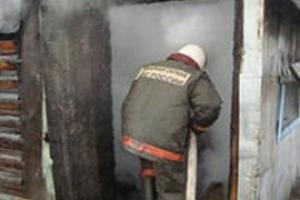 Вчера вечером в Каменске-Уральском на улице Березовая сгорел садовый домик