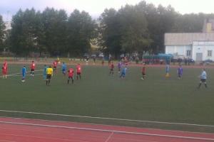 КУМЗ уходит в отрыв в чемпионате Каменска-Уральского по футболу