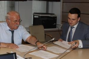 Дмитрий Ионин сдал документы в облизбирком для регистрации в качестве кандидата на должность губернатора области
