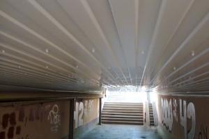 Вандалы оставили без освещения единственный подземный переход в Каменске-Уральском