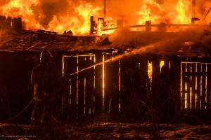 Сегодня под Каменском-Уральским горели еще два дома, а вместе с ними и автомобиль «Волга»
