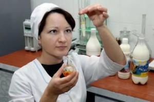 В магазинах Каменска-Уральского стали чаще продавать опасные для здоровья кондитерские и молочные изделия