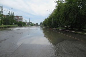 Во время ремонта дороги на улице Каменская в Каменске-Уральском пришлось устранять ошибки строителей, допущенные сорок лет назад