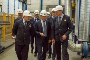 На «СинТЗ» в Каменске-Уральском побывал министр промышленности и науки Свердловской области.