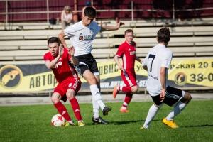 Футбольная «Синара» из Каменска-Уральского вновь вышла в лидеры чемпионата области
