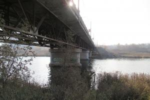 Из-за замены одной из опор на несколько часов закроют движение по Байновскому мосту в Каменске-Уральском